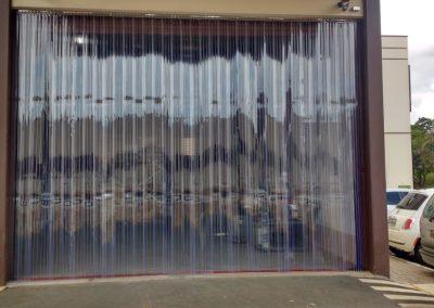 cortina em tiras pvc double ribbed garagem